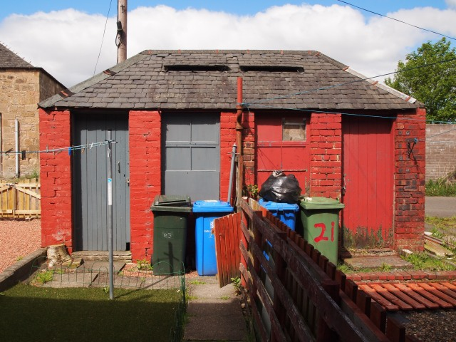 Red-painted outbuilding at The Hedges, Camelon, Falkirk